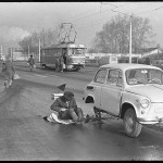 22_vladimir-sokolaev-remont-avtomobilya-na-proezzhei-chasti-prospekta-kurako.-novokuzneck.-13.10.1981