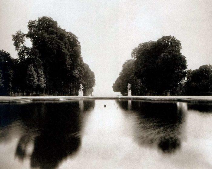 Parc de Saint- Cloud, bassin dela Petite gerbe, 1904. .- EUGÈNE ATGET