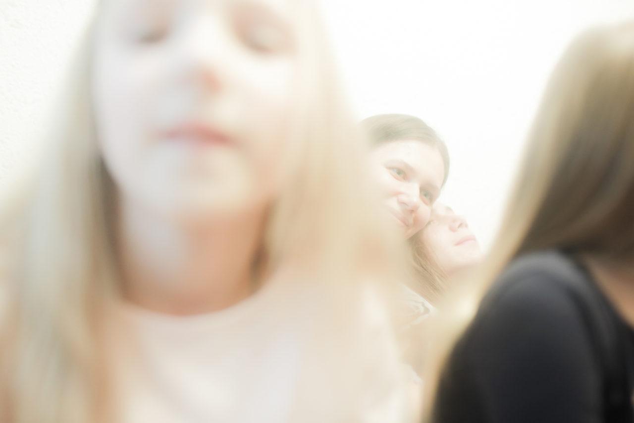 Наталья дома с детьми