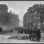 Берлин, 1945г.Расчистка улиц Берлина берлинцами.
